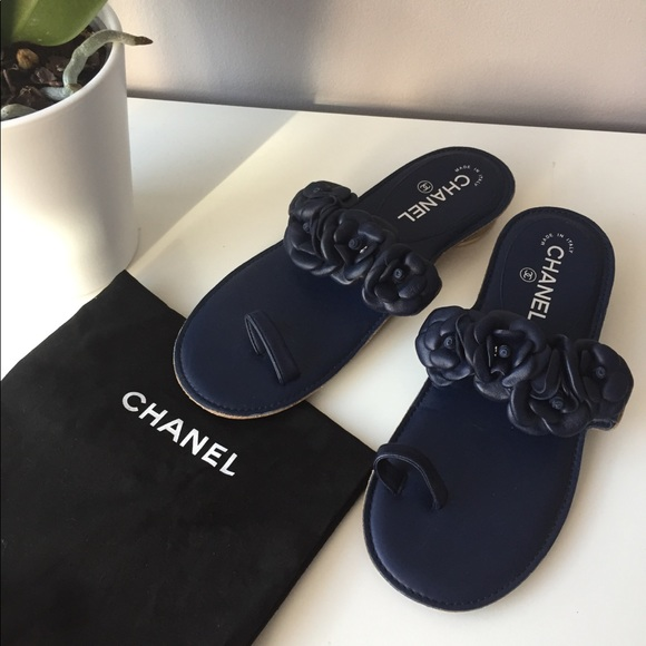 3be6ef53b CHANEL Shoes - Chanel Camellia Flower flat leather sandals.
